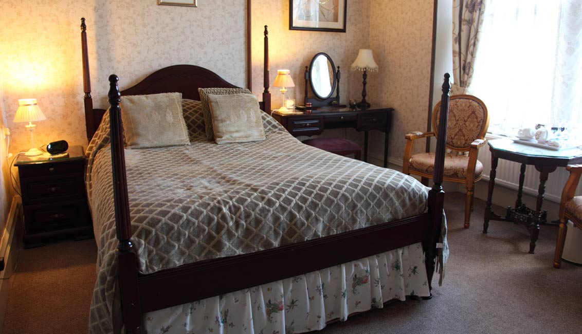 Guest Houses In Windermere Room Available